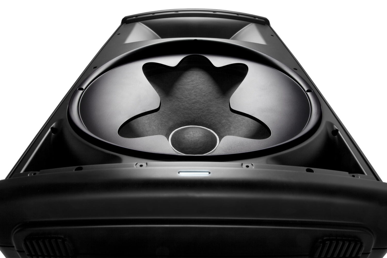 Jbl EON615 15 inch Powered Speaker W/Btooth 6