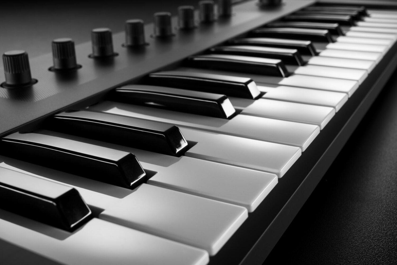 BJs Sound & Lighting - Komplete Kontrol M32 keys product gallery bjs web