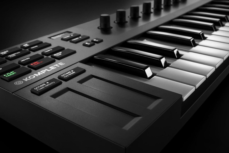BJs Sound & Lighting - Komplete Kontrol M32 touch stips product gallery bjs web