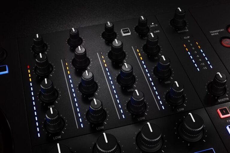 BJs Sound & Lighting - Traktor S3 Detail Mixer product gallery bjs web