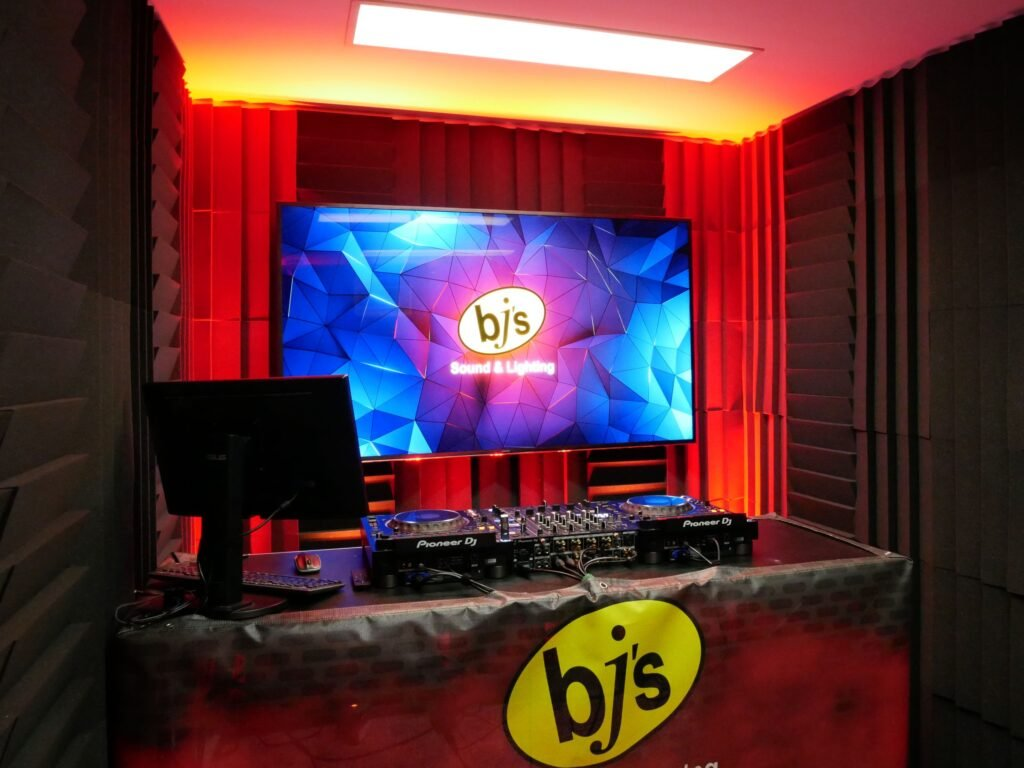 BJs Sound & Lighting - DJ Studio BNE 1 Web